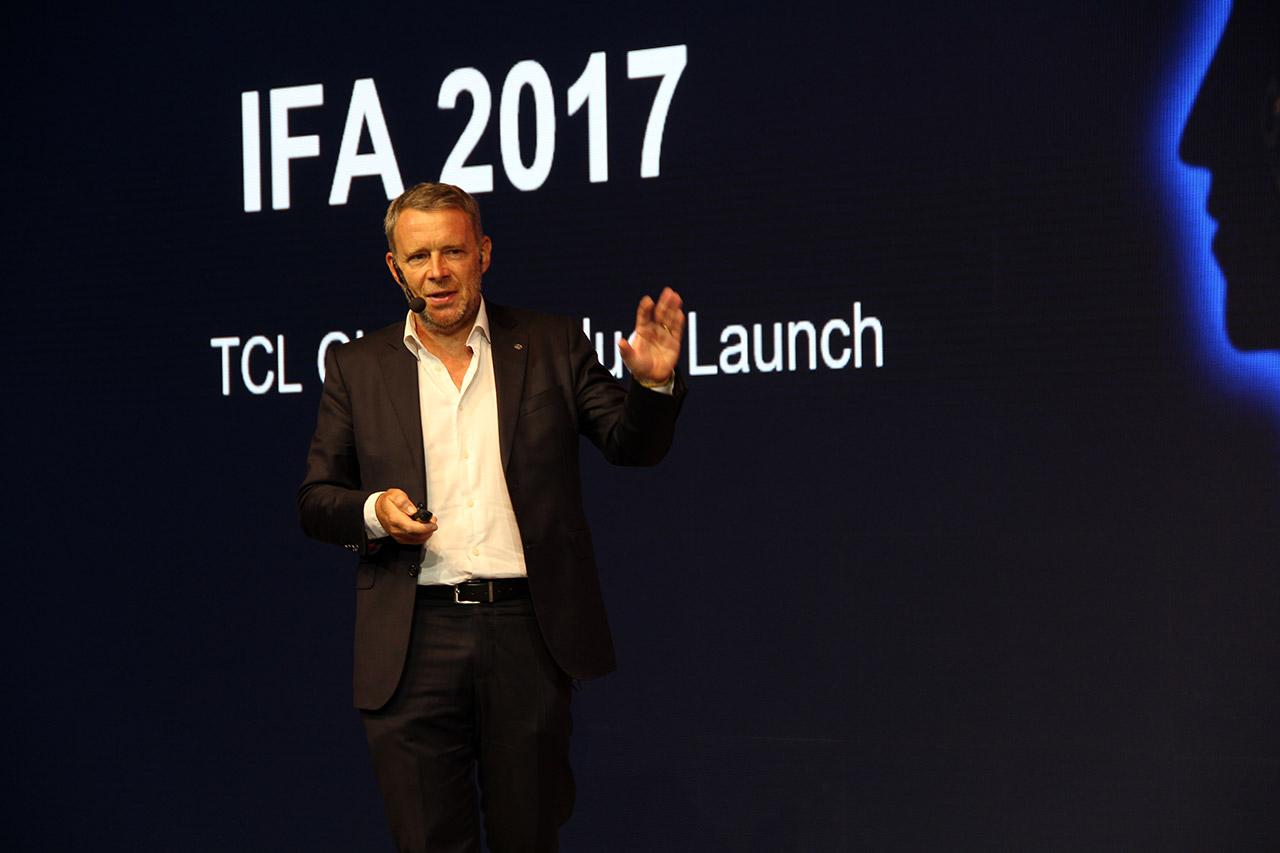 Frand TCL多媒体欧洲区销售总监分享TCL电视在欧洲的相关情况:目前法国是TCL电视欧洲最大的市场,2018年主要会进军英国市场,美国是TCL电视增长最快的市场。