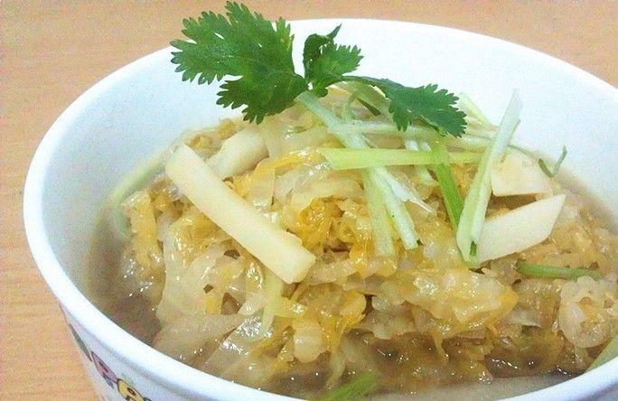 【酸菜炖土豆】