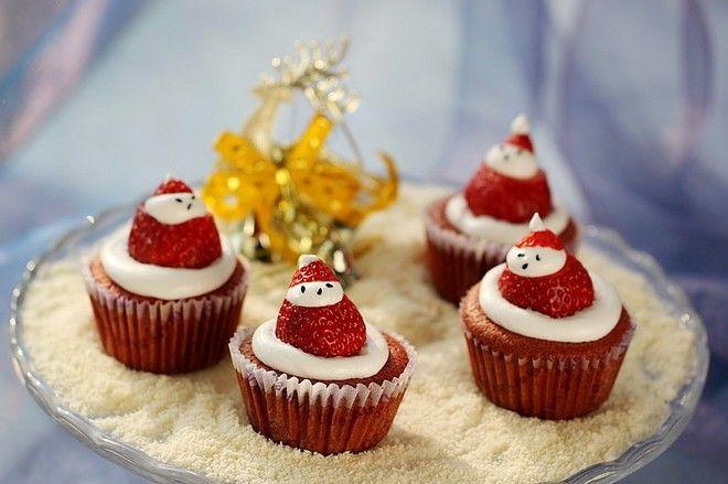 圣诞老人纸杯蛋糕制作方法第25步-万维家电网